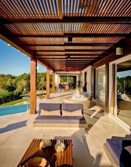 24. O piso para varanda externa deve aguentar a incidência do sol. Projeto de Espaço do Traço Arquitetura