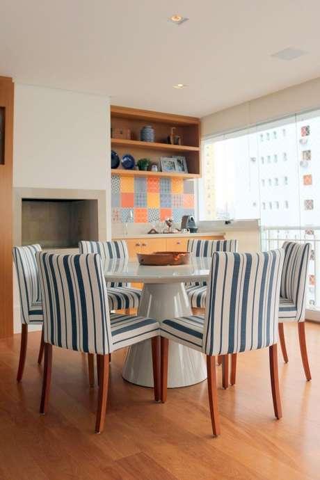 15. O piso para varanda laminado é lindo e lembra luxo. Projeto de Ark2 Arquitetura