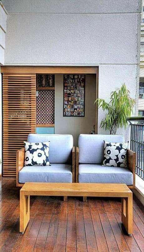 9. O piso para varanda de madeira passa uma sensação de luxo. Projeto de Studio Scatena Arquitetura