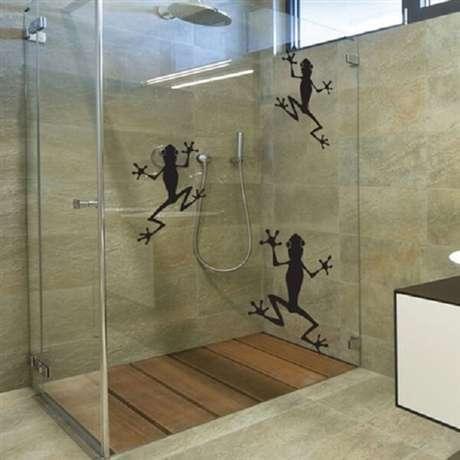 44. Sapinhos para a hora do banho com esse adesivo para box de banheiro. Fonte: Pinterest