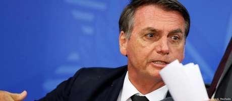 """""""Lá tá precisando muito mais do que aqui"""", diz Bolsonaro sobre dinheiro da Alemanha"""