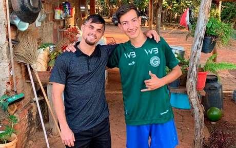 Michael visitou torcedor que mora em Nazário, a 100 quilômetros da capital do estado (Foto: Divulgação)