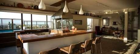49. Área gourmet é o centro das atenções nessa residência. Fonte: Pinterest