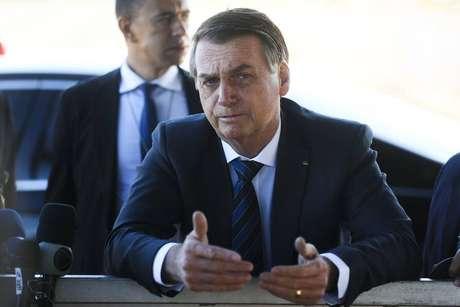Presidente criticou aqueles que 'vivem faturando em cima do povo'.