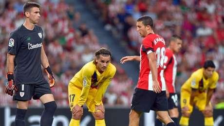DESENTROSADO? Griezmann não correspondeu às expectativas que rondavam sua estreia (Foto: AFP)