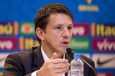 Juninho Paulista participa de sua primeira convocação como novo coordenador da Seleção Brasileira