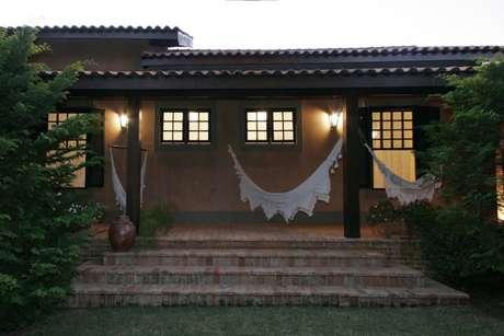 6. Arandelas externas na varanda. Projeto de Katia Perrone