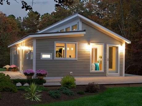 41- Fachada de madeira para casas pequenas.