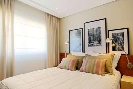 39- As cores para pintar quarto de casal podem ser neutras e mais suaves. Projeto por Sesso & Dalanezi