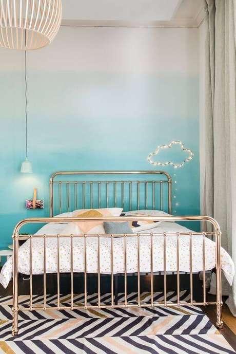 67. Cores para quartos com cama dourado – Por: Revista VD