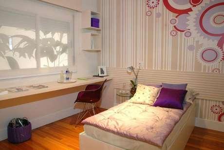 52- O roxo também é um queridinho para cor de quarto de menina. Projeto por Teresinha Nigri.