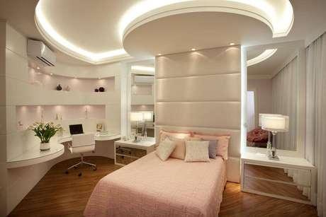 50- As cores para quarto de menina podem ser mas mais delicadas e elegantes, escolha bem todas as cores para quartos. Projeto por Aquiles Nicolas Kilaris.