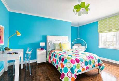 7- As cores para quartos infantis vibrantes deixam o ambiente alegre e festivo. Fonte: Chaves na Mão