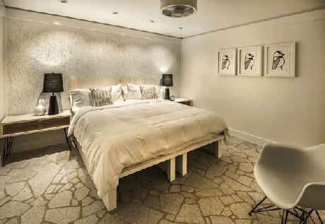 29- A sobriedade das cores para quartos de casal deixam o ambiente elegante e sofisticado. Fonte: Dalmóbile