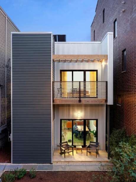 29. Fachada de sobrado pequeno e moderno para casa simples