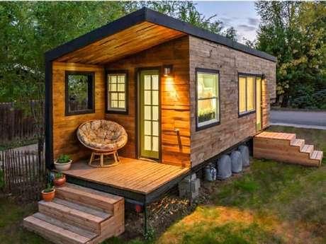 27. Casa de madeira bem simples e compacta para casa simples