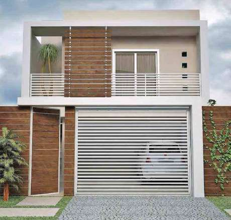 32. Fachadas de casas pequenas com detalhes em madeira