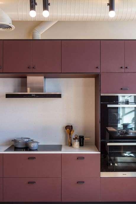 43. A cor do gabinete de cozinha é muito importante. Projeto de Revista Viva Decora.