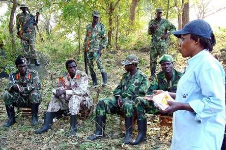 Conversas com o LRA em Uganda, em dezembro de 2004