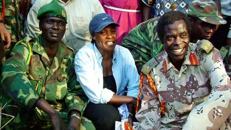 Betty Bigombe com o negociador do LRA, Brig Sam Kolo (à direita)