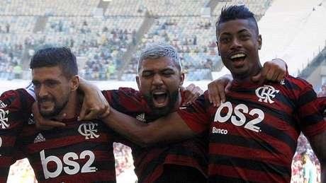 Arrascaeta, Gabigol e Bruno Henrique foram contratados para 2019 (Foto: MARCELO DE JESUS / RAW-IMAGE)