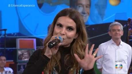 Cantora Gospel, Aline Barros foi convidada para o Criança Esperança