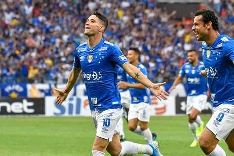 Cruzeiro x Santos, jogo válido pela décima quinta rodada do Campeonato Brasileiro, Estádio Mineirão, na cidade de Belo Horizonte