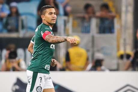 Dudu, do Palmeiras, comemora seu gol durante partida contra o Grêmio, válida pela 15ª rodada do Campeonato Brasileiro 2019, na Arena Grêmio, em Porto Alegre