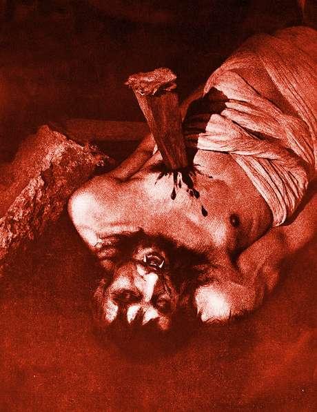 O ritual para matar vampiros previa cravar uma estaca no peito e queimar o corpo