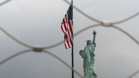 'Todos aqueles que conseguem andar sozinhos, que sejam autossuficientes, terão lugar', afirmou o diretor-interino da Agência de Serviços de Imigração e Cidadania (USCIS, na sigla em inglês), Ken Cuccinelli