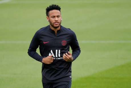 Neymar ainda tem futuro indefinido