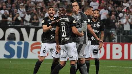 Botafogo foi derrotado pelo Corinthians, no último sábado (Foto: Peter Leone/Ofotografico/Lancepress!)