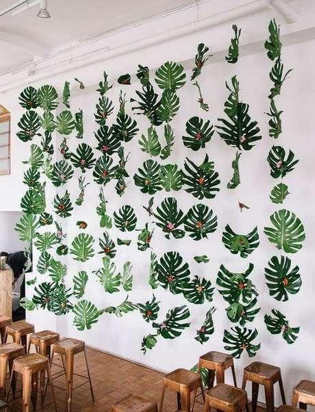 31. Este é um exemplo criativo de como usar a beleza da Costela de Adão na decoração. Foto: Green Wedding Shoes