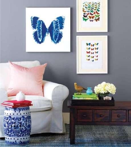 26. Decoração para sala com garden seat de cerâmica com estampa azul – Foto: Danielle Holanda