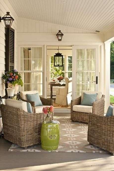 52. O garden seat é muito utilizado para decoração de varanda – Foto: Archzine