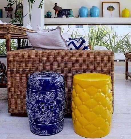 54. É possível utilizar mais de um modelo de garden seat na decoração do ambiente – Foto: Pinterest