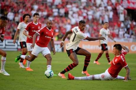 No último encontro, o Inter derrotou o Fla no Beira-Rio, pelo Brasileiro-19 (Foto: Alexandre Vidal / Flamengo)