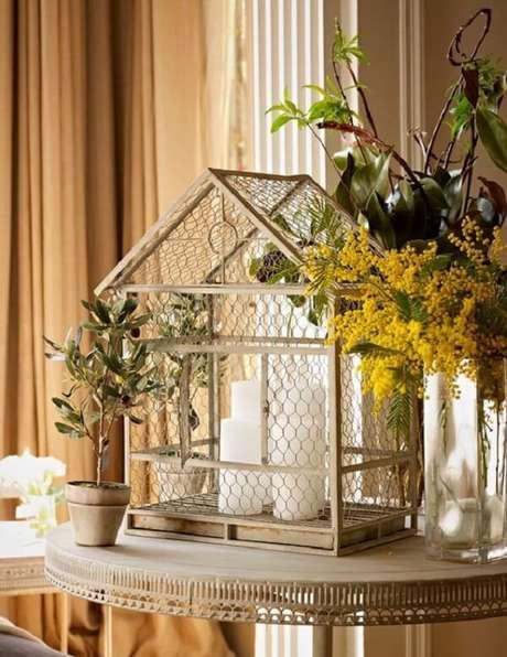 62. Invista na decoração com gaiola de passarinho. Fonte: Pinterest