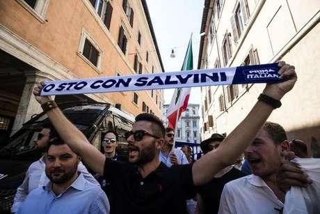 Liga retira moção de censura contra premier da Itália