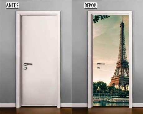 9. O adesivo de porta costuma trabalhar com imagens. Foto: Papel de Parede Digital