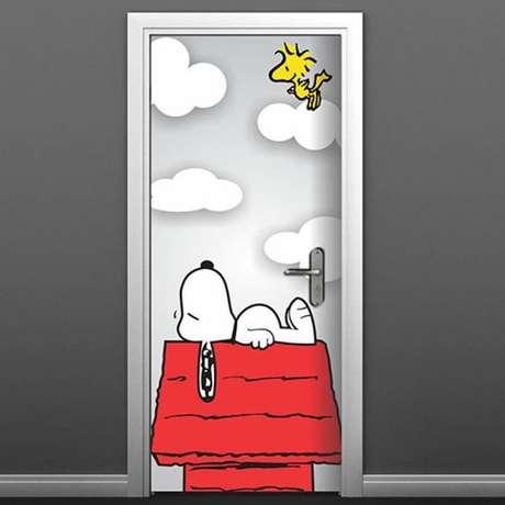 11. Quartos infantis pedem um adesivo de porta divertido. Foto: RM Adesivos
