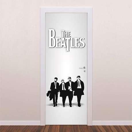 15. Temas musicais também são muito comuns em adesivo de porta. Foto: Brave Impressões