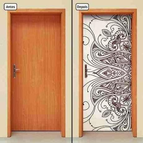 42. O tribal é um desenho divertido para adesivo de porta. Foto: Mercado Livre