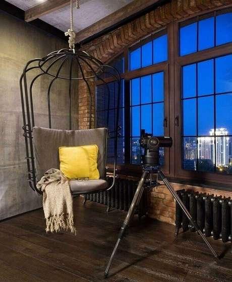 65. Balanço em formato de gaiola traz personalidade para a decoração do ambiente. Fonte: Pinterest