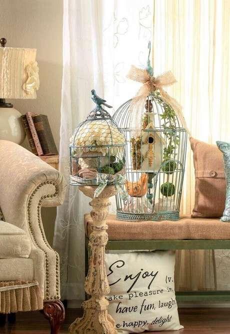 76. Gaiola para decoração de sala de estar pendente. Fonte: Pinterest