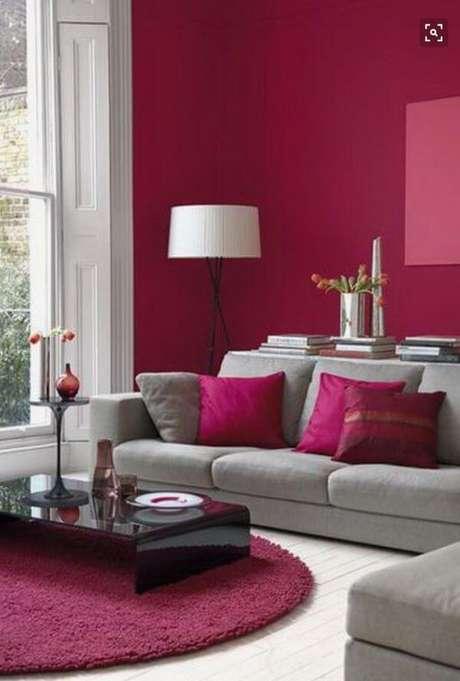 13. Quem gosta de cores fortes, pode criar ambientes com pinturas de casas modernas pink – Por: Pinterest