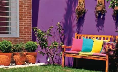 36. As pinturas de casas externas podem ser cheias de vida e coloridas – Por: Pinterest