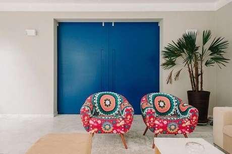 41. Pinturas de casas internas com a porta azul, super moderna – Por: Codecorar