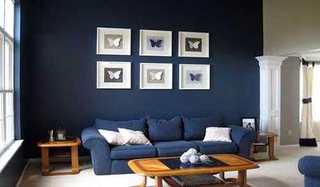 70. Faça as pinturas de casa por dentro em tons de azul marinho – Por: Pinterest