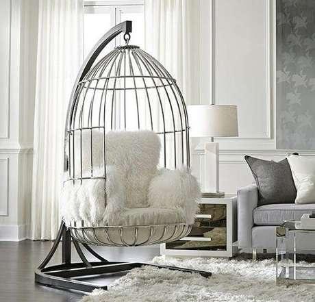 77. Poltrona para sala de estar em formato de gaiola. Fonte: Pinterest